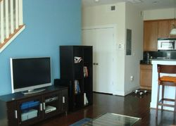 4th St Ne Apt 2, Washington