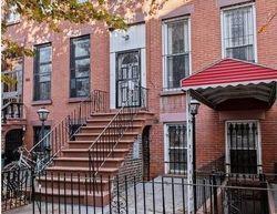 Bainbridge St, Brooklyn