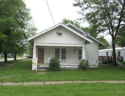 Walnut Ave, Osawatomie, KS Foreclosure Home