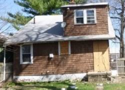W Macqueen Ave, Peoria, IL Foreclosure Home