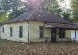 Ne Wabash Ave, Topeka, KS Foreclosure Home