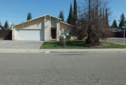 W Harter Ave, Visalia