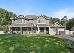 Evelyn Ct, Manorville