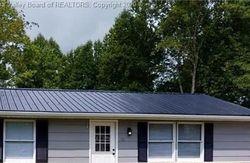 Pinewood Cir, Saint Albans, WV Foreclosure Home