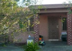 E 61st St, Los Angeles