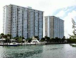 Bayview Dr Apt 301, North Miami Beach