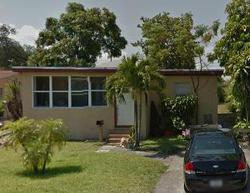 W 35th St, West Palm Beach