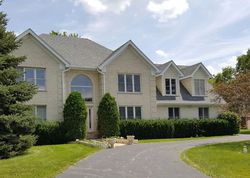 Cherry Hill Cir, Lake Zurich