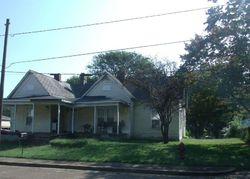 Marsh Ave, Trion
