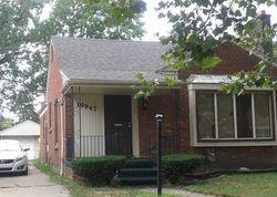 Mark Twain St, Detroit, MI Foreclosure Home