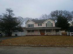 Yuma Ln, East Islip, NY Foreclosure Home