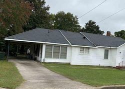Sunnyside Ave, Elberton, GA Foreclosure Home